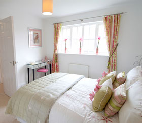 Blind fitting - Medway - Sonia K Curtains - Bed room